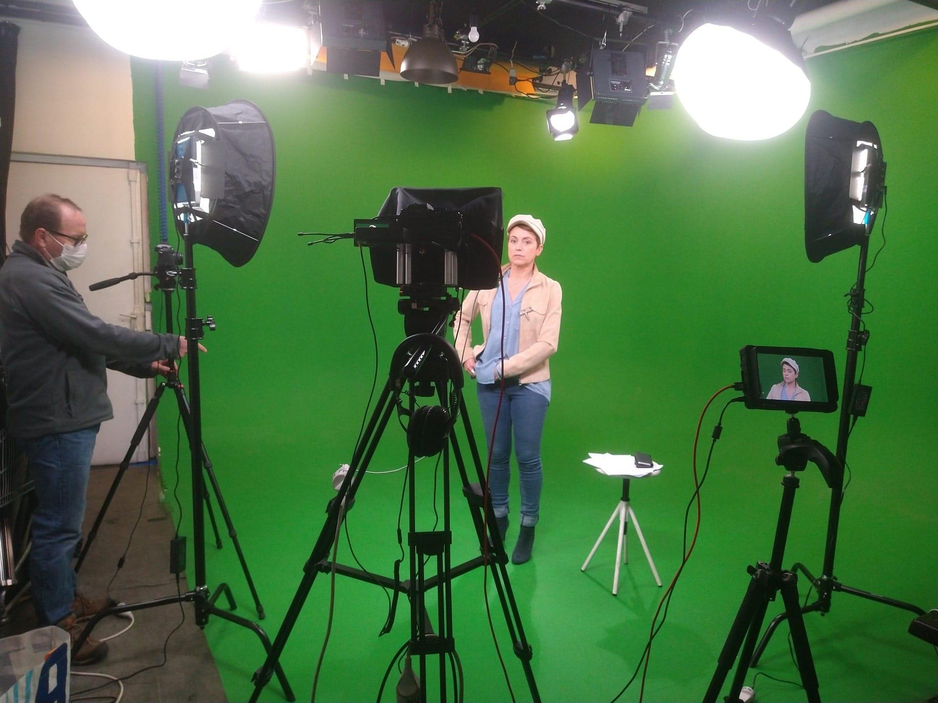 production audiovisuelle,vidéo d'entreprise paris. location plateau de tournage,vidéo fond vert pas cher